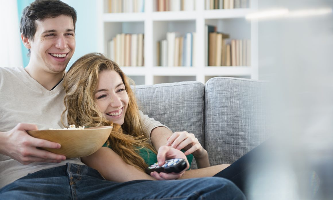 WAYS TO MAKE YOUR GIRLFRIEND HAPPY
