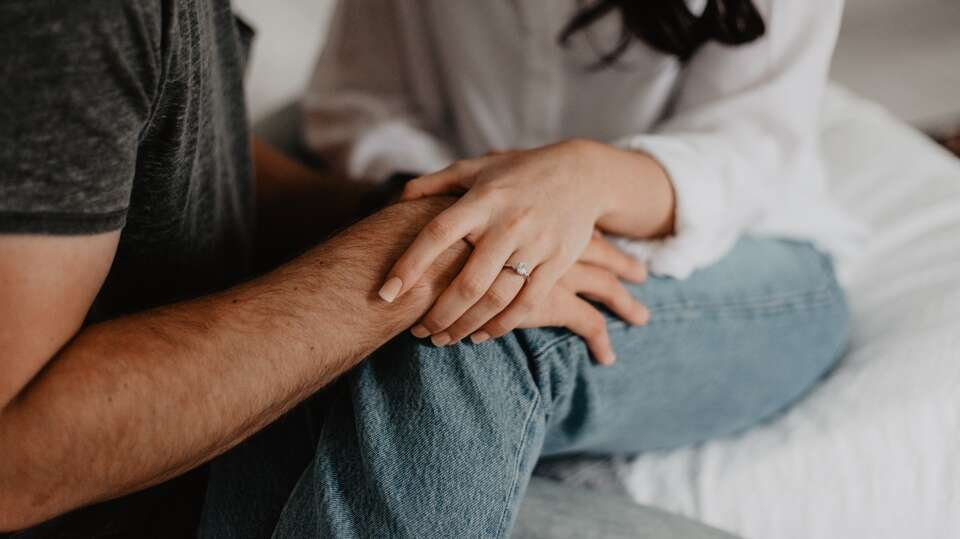Signs Your Girlfriend Needs Your Money, Not You