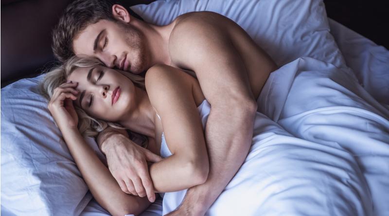 WHY YOU SHOULD SLEEP NAKED